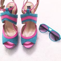 💘 Pink and Blue Heels💘 These go from cute to sexy depending on what you wear. They're super versatile and can be worn with a dress or even a pair of jeans! I only wore them once and for like ten minutes lol Enjoy!💗  📫 Same/Next Day Shipping 🏡 Odor Free 🐩 Pet Free 🎉 Daily Discounts 🚫 PayPal/Trades 📷 Instagram: @luxeious Shoes Heels