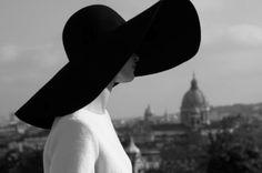 oversize sun hat