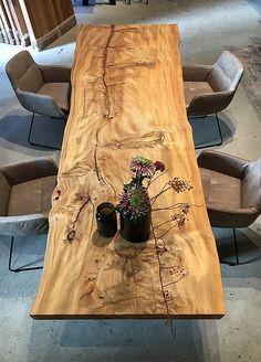 Home Decor Kitchen, Interior Design Kitchen, Wood Slab Table, Esstisch Design, Rustic Country Kitchens, Japanese Home Decor, Dining Table Design, Wood Resin, Room Decor Bedroom