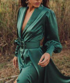 Belén González vole trendseterice, a ima najljepše komade za proljeće Couture Dresses, Fashion Dresses, Satin Dresses, Gowns, New Years Eve Outfits, Looks Chic, Classy Dress, Mode Inspiration, Dream Dress