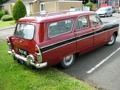 Ford Zephyr estate. I loved these, when I was a little 'un.