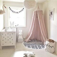 Traumhafte Baldachin Betthimmel Vorhang Rosa schöne DekorationsideeBaby Nursery Babyzimmer Kinderzimmer Himmelbett Kinderbett SpielzeltAccessoires