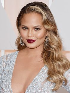 Chrissy Teigen - The Best Hairstyles from the 2015 Oscars