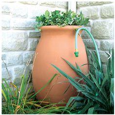 Elegante soluzione per la raccolta di acqua piovana da Algreen...