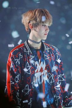 Find images and videos about kpop, exo and baekhyun on We Heart It - the app to get lost in what you love. Kpop Exo, Exo Ot9, Baekhyun Chanyeol, Park Chanyeol, Taehyung And Baekhyun, Tao, Exo Memes, Jimin, Kris Wu