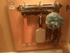 Dollar Design Diva: Dollar Store Craft Challenge - $2.00 Door Hook Racks and Portable Beauty Kit