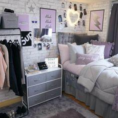 Dorm Room Designs, Room Design Bedroom, Small Room Bedroom, Cozy Dorm Room, Teen Bedroom Designs, Cute Bedroom Ideas, Room Ideas Bedroom, Bedroom Ideas Purple, Purple Dorm Rooms