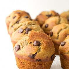 Vegan Chocolate Chip Muffins They taste like heaven and they're egg, dairy and cholesterol free. So delicious for breakfast.They taste like heaven and they're egg, dairy and cholesterol free. So delicious for breakfast. Vegan Treats, Vegan Snacks, Vegan Recipes, Carrot Recipes, Best Vegan Chocolate, Raw Chocolate, Chocolate Chip Muffins, Chocolate Chips, Vegan Banana Muffins