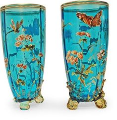 Moser created a new process in glass making: placing a layer of gold leaf between two layers of glass. These pieces would then be lavishly enamel-decorated with naturalistic motifs such as birds, butterflies and flowers.