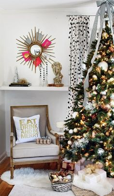 Gold, white and natural colors for 2017?  Modern Christmas tree corner in shades of gold and white