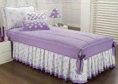 Risultati immagini per colchas Girls Bedroom, Bedroom Decor, Bedrooms, Bed Cover Design, Curtain Designs, Sofa Covers, Soft Furnishings, Bed Spreads, Slipcovers