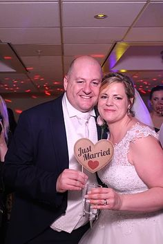 KMS Hire's Magic Mirror Selfie Photo Booth and LOVE Lights at Tudor Park Marriott Hotel & Country Club in Maidstone Kent Magic Mirror, Marriott Hotels, Park Hotel, Just Married, Love And Light, Tudor, Photo Booth, Selfie, Club