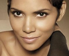 Halle Berry: sweet as straw-berry