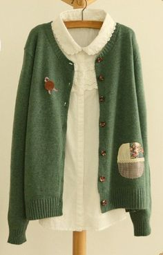 Vintage cardigan, Mori Girl cardigan with floral patch in Green and Cream colour (brooth is not included)