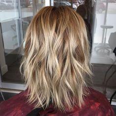 Medium Blonde Shag Hairstyle Shaggy Haircuts, Bob Hairstyles For Fine Hair, Haircuts For Fine Hair, Cool Haircuts, Layered Haircuts, Blonde Haircuts, Med Length Hairstyles, Hairstyles 2018, Modern Hairstyles