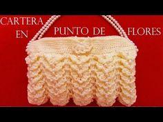 Como tejer fácil y rápido una cartera para fiesta - tutorial crochet in Spanish - YouTube Free Crochet Bag, Knit Crochet, Crochet Bags, Childrens Purses, Baby Favors, Embroidery Bags, Crochet Videos, Crochet Crafts, Clutch Purse