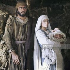 My most favorite Movie of the birth of Christ. 1977 with Robert Powell & Olivia Hussey. takes me back to the best memories of my childhood & my Catholic faith. Blessed Mother Mary, Blessed Virgin Mary, Christian Movies, Christian Art, Catholic Art, Religious Art, Joseph, Biblical Costumes, Nativity Costumes