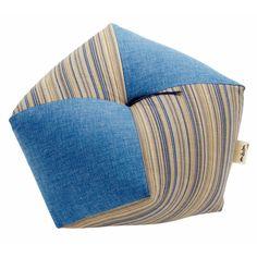 cushion for sitting, zabuton 座布団