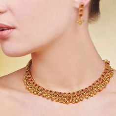 Woooow Gold Necklace Simple, Gold Jewelry Simple, Short Necklace, Gold Jewellery Design, Necklace Designs, Beautiful Necklaces, Fashion Jewelry, Kerala Jewellery, Ornaments