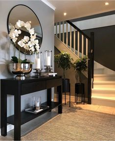 ✨ TGIF, Happy Friday✨ Here's a little hallway inspiration by   Your hallway is the first thing you always see… Home Design Decor, Home Interior Design, House Design, Foyer Design, Gray Home Decor, Home Decor Ideas, Welcome Home Decorations, Hall Interior, Elegant Home Decor