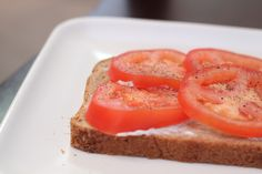 Cookbook Club: food from books --> Harriet the Spy's tomato sandwich!