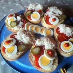 Party Treats, Caprese Salad, Hamburger, Sushi, Cupcake, Snacks, Breakfast, Ethnic Recipes, Foods
