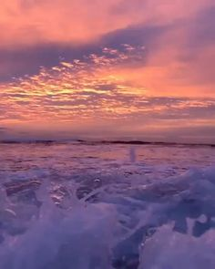 Beautiful sunrise this morning .ocean eyes /tag a friend who'd like this Song by : Sky Aesthetic, Aesthetic Videos, Aesthetic Backgrounds, Aesthetic Wallpapers, Retro Aesthetic, Orange Aesthetic, Aesthetic Pastel, Beautiful Ocean, Beautiful Sunrise