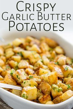 Crispy potatoes drizzled with rich garlic butter! These Brabant Potatoes are a New Orleans classic and will quickly become one of your family's favorite side dishes. The potatoes are boiled and then f Steak Sides, Steak Side Dishes, Side Dishes For Chicken, Dinner Side Dishes, Best Side Dishes, Chicken Sides, Side Dishes With Burgers, Best Sides For Steak, Side Dishes For Ribs
