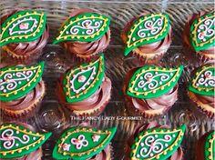 simple paisley cupcakes
