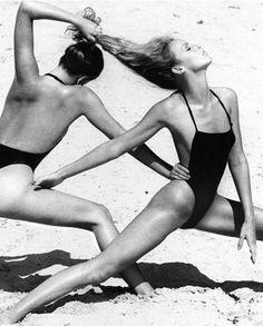 Photo by Helmut Newton, Jan. 1975, Lisa Taylor & Jerry Hall, Vogue.