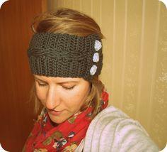 Crochet Birdie Headband .. love it. https://www.etsy.com/listing/179023900/button-down-headband-in-nz-merino