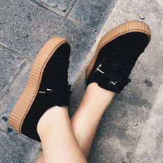 I'M INLOVE WITH THESE SHOES { Follow me @slayingchxndria }