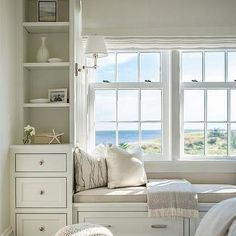 Cottage Bedroom Window Seat - Design photos, ideas and inspiration. Amazing gallery of interior design and decorating ideas of Cottage Bedroom Window Seat in bedrooms, girl's rooms, boy's rooms, entrances/foyers by elite interior designers. Home Design, Interior Design, Design Ideas, Beach Design, Design Room, Design Interiors, Diy Interior, Luxury Interior, Bedroom Windows