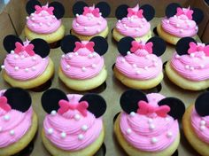 Perfect for a first birthday theme, a Minnie Mouse party is sure to be a hit with your little Disney fan. From cake to decorations, we have tons of adorable Minnie Mouse party ideas that you can easily incorporate into your event. Minnie Mouse Party, Minni Mouse Cake, Minnie Mouse 1st Birthday, Mouse Parties, Baby Birthday, Disney Parties, Minnie Mouse Cupcake Cake, Girl Birthday Cupcakes, Valentine Cupcakes