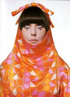 The Total Look: The Creative Collaboration Between Rudi Gernreich, Peggy Moffitt and William Claxton – at MOCA Pacific Design Center William Claxton, 60s And 70s Fashion, Mod Fashion, Vintage Fashion, Classic Fashion, Fashion Models, Vintage Style, High Fashion, Retro Vintage