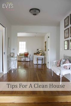 Tips to maintaining your clean house by doing under 40 mins of clean up daily. Story of my life.