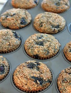 Healthy blueberry banana bran muffins, 100 calories each. Can also cook in a skillet like pancakes. Healthy Muffins, Healthy Sweets, Healthy Baking, Healthy Snacks, Muffin Recipes, Baby Food Recipes, Baking Recipes, Low Calorie Bran Muffin Recipe, Weight Watchers Bran Muffin Recipe
