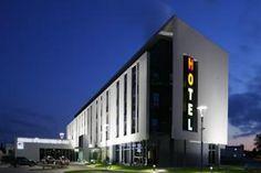 Hotel Poznański, Poland - WiFi client satisfaction rank 5/10. Download 6.1 Mbps, upload 5.2 Mbps. rottenwifi.com