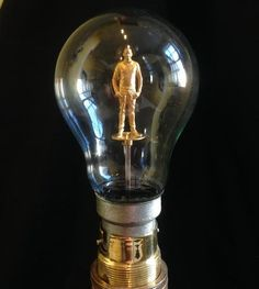 Reinventing the Light Bulb… With a Miniature 3D Printed Version of Yourself Inside? http://3dprint.com/50044/3d-printed-light-bulb/