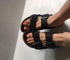 8d6ec2ae425 Birkenstock Women s size US 9 EU 40 Arizona Soft Footbed Black Sandal Shoes