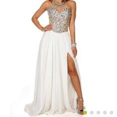Formal Strapless White Dress With Slit.