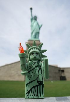 LEGO Collectible Minifigures Series 6 : Lady Liberty