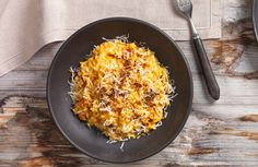 Risotto mit Karotte, Zwiebel, Speck Macaroni And Cheese, Grains, Rice, Ethnic Recipes, Food, Risotto Recipes, Browning, Food Food, Simple