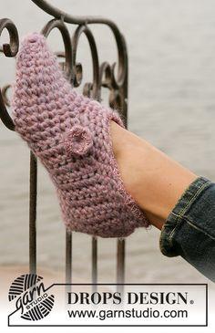 Rosenelfe pattern by DROPS design Crochet Hook Sizes, Crochet Stitches, Crochet Patterns, Drops Design, Bead Crochet, Free Crochet, Pixel Art Geek, Crochet Diagram, Crochet Slippers
