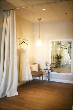 look into Love and Lace Bridal Salon A look into Love and Lace Bridal Salon // see more on See See or SEE may refer to: Bridal Boutique Interior, Boutique Interior Design, Boutique Decor, Studio Interior, Lace Bridal, Brides Room, Store Interiors, Bridal Salon, Vintage Stil