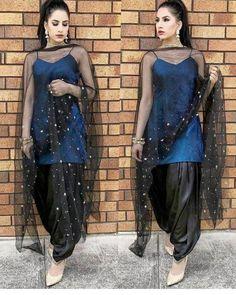 punjabi suits partywear suits suits for functions wedding suits punjabi suit designs Patiala Dress, Punjabi Dress, Patiala Salwar, Pakistani Dresses, Indian Dresses, Indian Outfits, Punjabi Suits, Salwar Suits, Anarkali