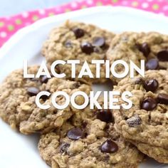 It works! These lactation cookies help boost your milk supply thanks to 3 key in… It works! These lactation cookies help boost your milk supply thanks to 3 key ingredients. Freezer friendly, and super delicious, these lactation cookies are a breastfeeding Breastfeeding Cookies, Breastfeeding Tips, Cookies Gluten Free, Brownies, Boost Milk Supply, Brewers Yeast, Lactation Recipes, Lactation Brownie Recipe, Cookies