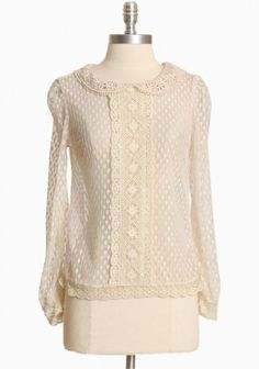 marquess polka dot lace top  ::  This is darling!  We could have Mama 'stina bring the cuff up to few inches above elbow and it would be perf!