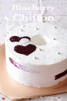 Blueberries chiffon cake
