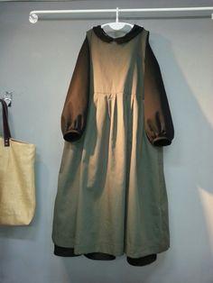 올리브의 린넨스토리 - *린넨 앞치마형 레... : 카카오스토리 Mori Fashion, Abaya Fashion, Muslim Fashion, Cute Fashion, Korean Fashion, Fashion Dresses, Modest Long Dresses, Lace Evening Dresses, Casual Dresses For Women